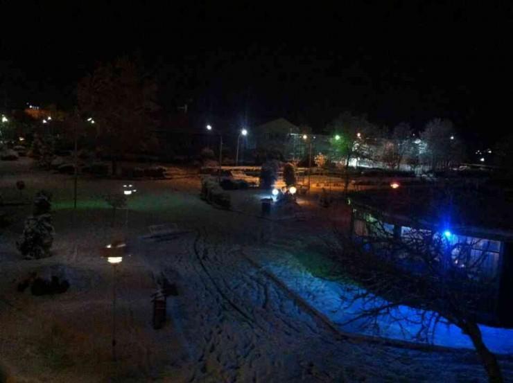پارک سبد در یک شب برفی